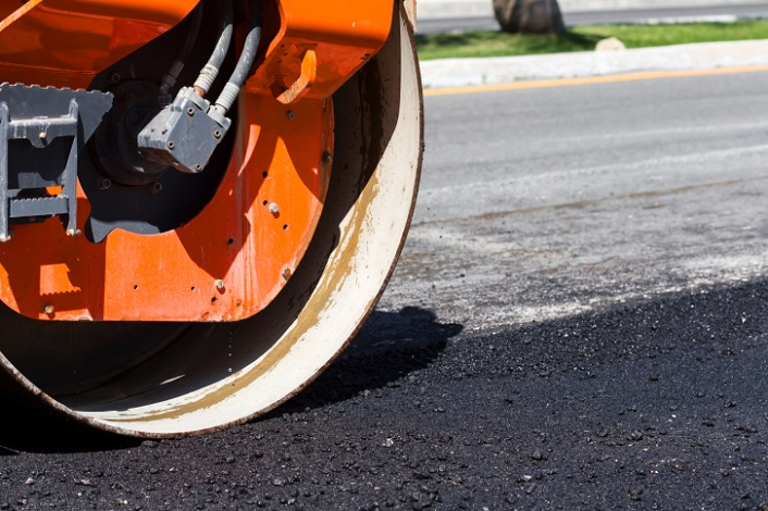 Intercounty Paving Helps a local store with parking lot maintenance
